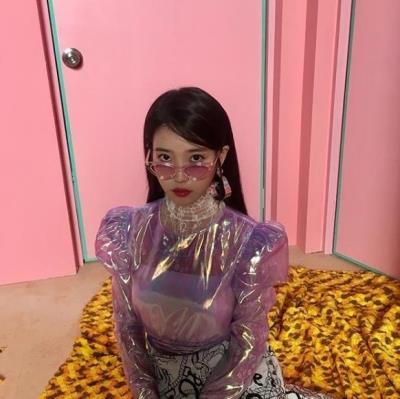 IUが10月10日にデビュー10周年記念新曲を発表してカムバック!